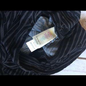 LuLaRoe Pants - Lularoe Black and Grey Bow Leggings - TC